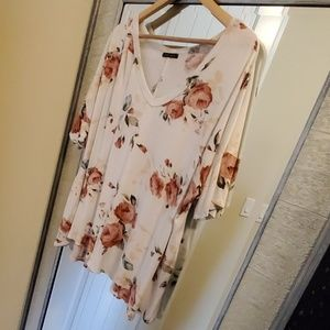 White Floral Super Soft Tee from Modcloth 2X